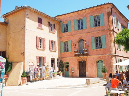 roussillon-community-village-town-hall-163027.jpeg